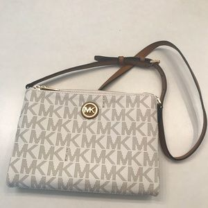 Michael kors cross body bag BRAND NEW never worn